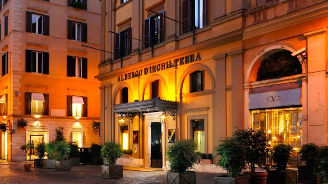 Hotel-dInghilterra-exterior-night